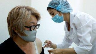Coronavirus: de nombreux pays incapables de continuer à vacciner faute de doses