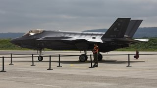 Nouvel avion de combat: pourquoi le F-35 américain suscite des doutes