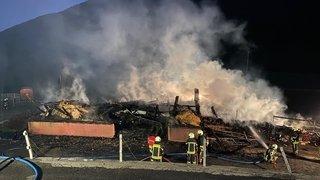 Le feu détruit entièrement une étable dans le Haut-Valais