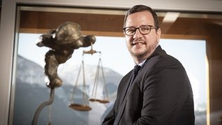 Philipp Matthias Bregy va diriger le Centre de sa main droite