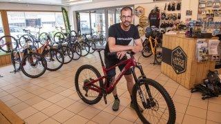 La pénurie mondiale de vélos se fait ressentir en Valais
