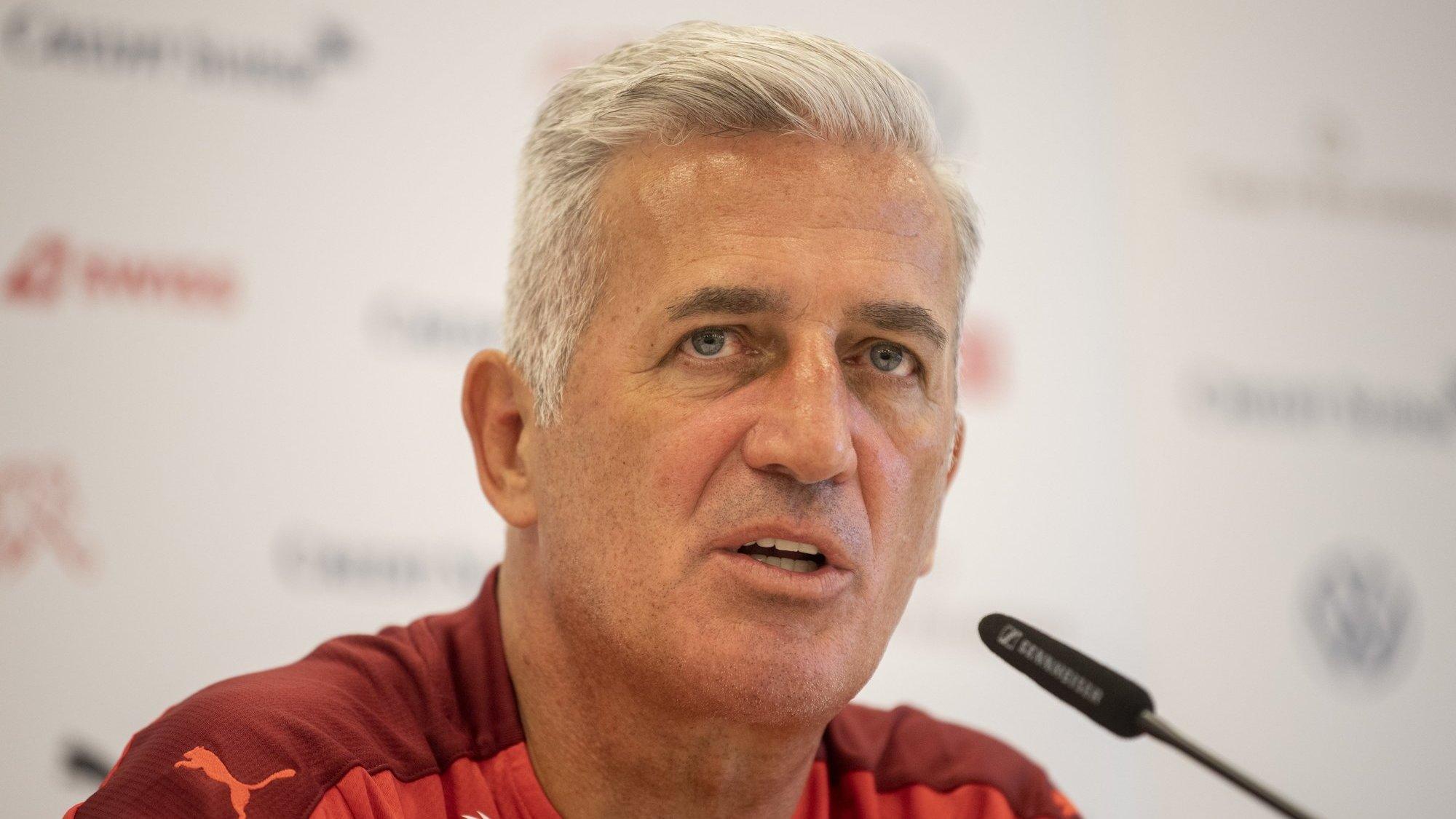 Vladimir Petkovic s'exprime en conférence de presse après l'élimination de la Suisse en quarts de finale de l'Euro contre l'Espagne.