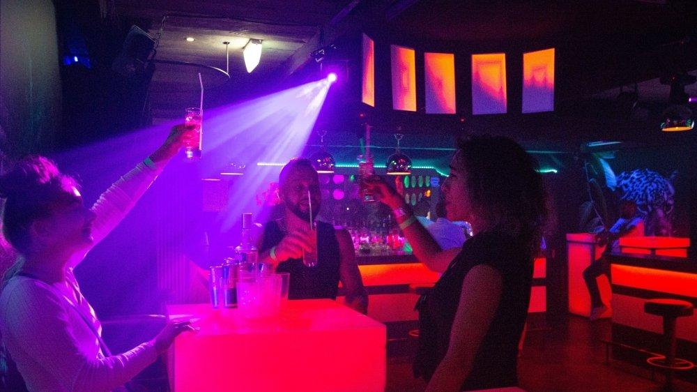 A l'exemple du Zanzibar à Martigny, les discothèques valaisannes ont pu rouvrir leurs portes mais les clients se font encore rares.