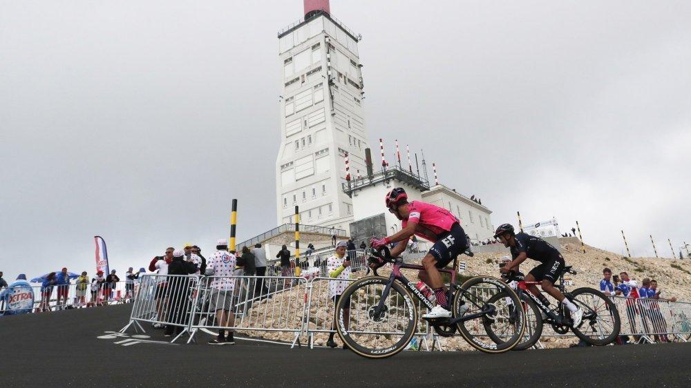 Rigoberto Uran et Richard Carapaz sont deux candidats très solides pour le podium à Paris.