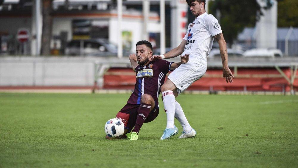 Vitezslav Hrdlicka, en blanc, et le FC Naters veulent faire la part belle aux jeunes talents haut-valaisans.