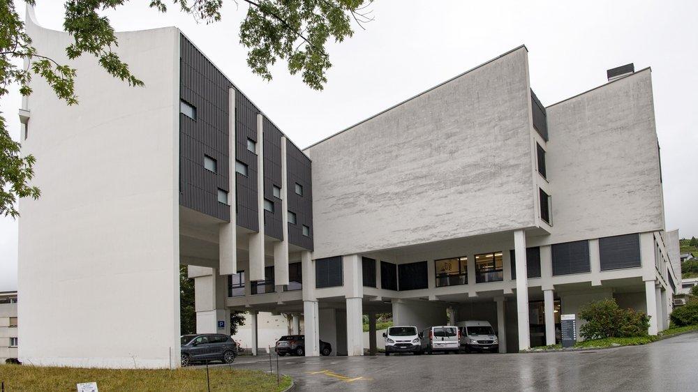 D'anciens employés de l'Institut Notre-Dame de Lourdes de Sierre dénoncent des dysfonctionnements au sein de l'établissement.