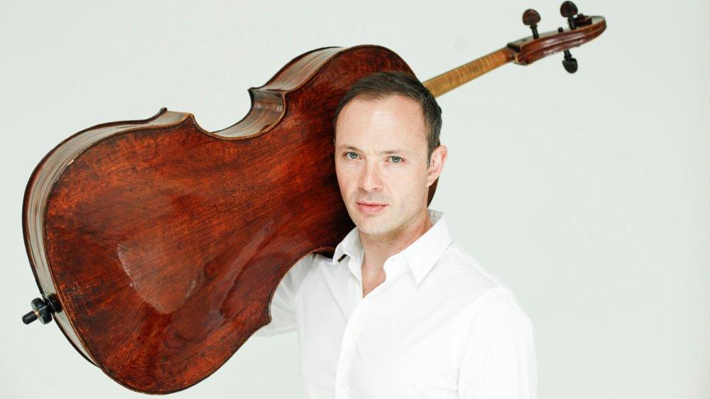 Kyril Zlotnikov joue sur le violoncelle Peresson ayant appartenu à Jacqueline du Pré.