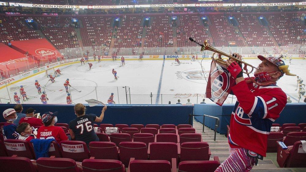 Même si la patinoire ne peut toujours pas faire le plein, la ville de Montréal revit depuis des semaines.