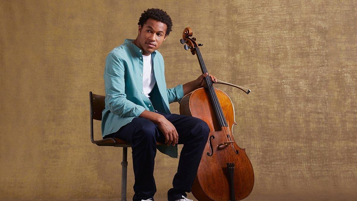 Révélé au grand public avec ses prestations aux noces du prince Harry et de Meghan Markle en 2018, le violoncelliste Sheku Kanneh-Mason se produira vendredi à Verbier.