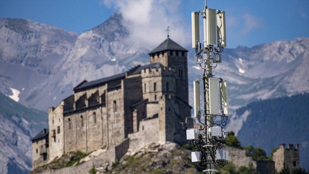 En attendant de modifier son règlement, Sion a suspendu les demandes d'autorisation de construire des antennes concernées par le nouvel article.