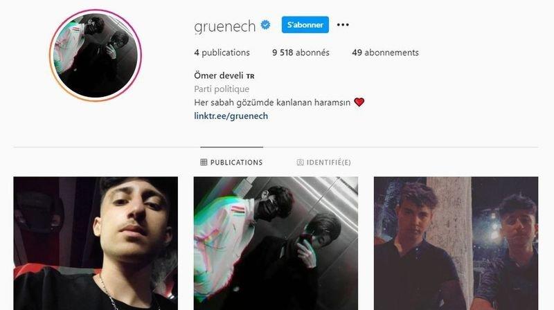 Le profil montre deux jeunes hommes et une description écrite en turc.