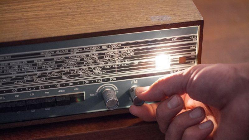 Médias: 60'000 signatures déposées contre la fin des radios FM