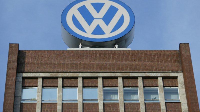 Europcar appartenait jusqu'en 2006 à Volkswagen, qui l'avait vendu pour 3,32 milliards d'euros à la société française d'investissements Eurazeo.