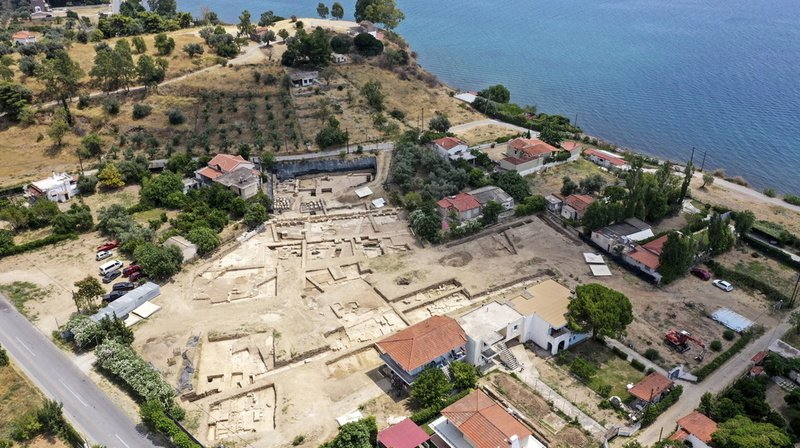La campagne 2020 a en effet déjà permis d'exhumer de nombreuses découvertes archéologiques dans le secteur du temple archaïque (illustration).