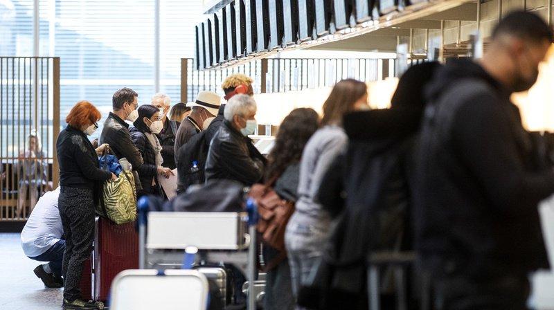 Coronavirus: de nombreux passagers en transit bloqués à l'aéroport de Zurich