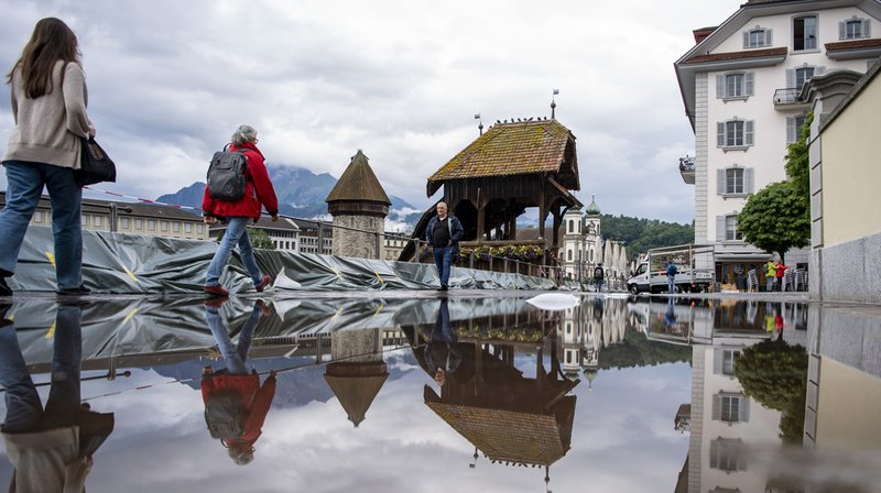 Intempéries: sortis de leur lit, les lacs suisses menacent d'inonder les villes