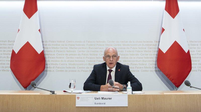 "Impôts: trop d'incertitudes entourent l'""initiative 99%"", selon Ueli Maurer"