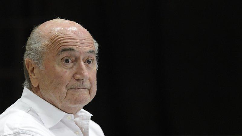 Affaire FIFA: Sepp Blatter auditionné lundi sur le versement suspect à Michel Platini