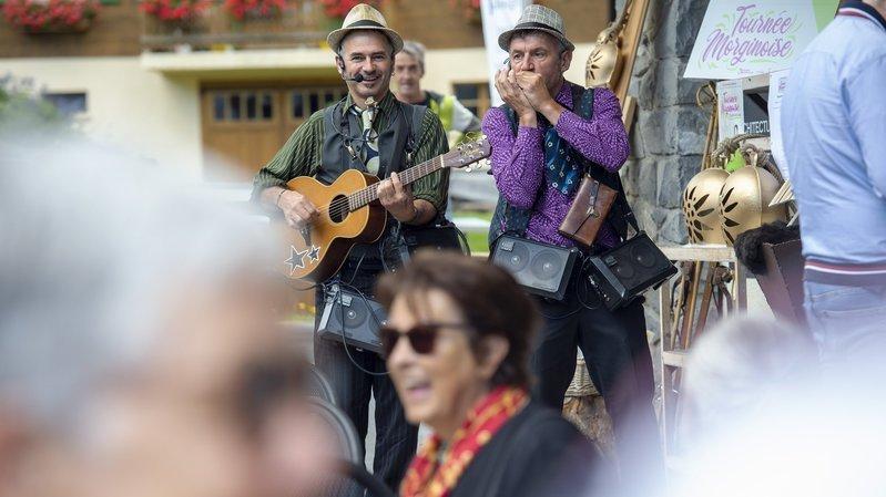 Comme l'an dernier, des groupes proposeront des animations musicales à proximité des établissements publics, dans tout le village.