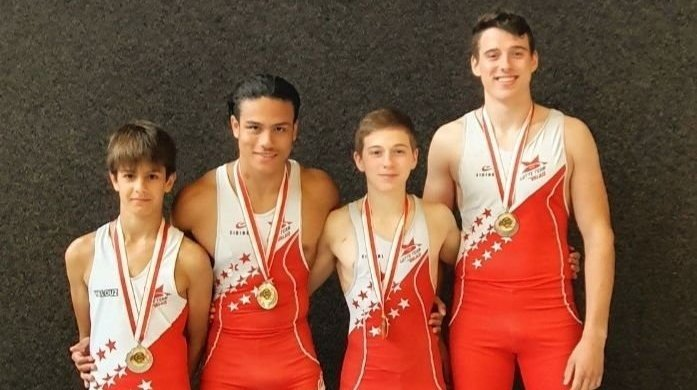 Les médaillés valaisans (de gauche à droite): Mathys Sarrasin, Esteban Tscharner, Mathias Martinetti et Ryan Martinetti.