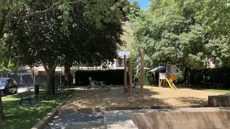 Sion compte plus de 50 jardins publics et places de jeux répartis dans les différents quartiers et villages.
