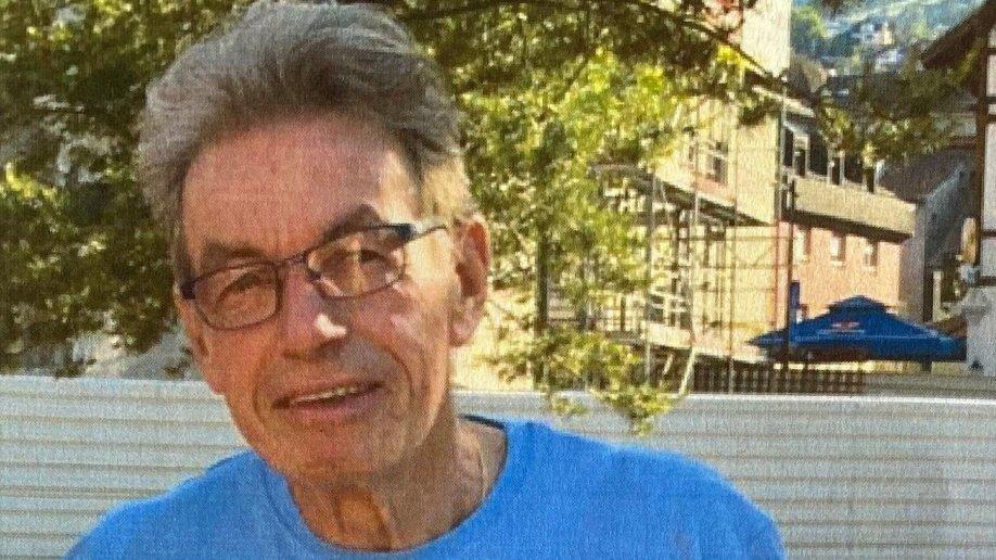 Julio R. a quitté son lieu de vacances. Il pourrait être revenu en Suisse.