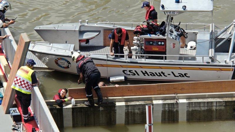 Le Bouveret: le pont de la Marina bloqué