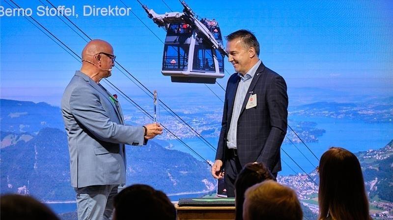 Le Location Award a été remis au Valaisan Berno Stoffel, directeur des Remontées mécaniques suisses.