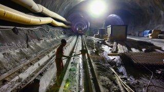 Tunnel de base du Lötschberg: un entrepreneur haut-valaisan condamné pour fraude, 12 ans après