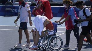 JO 2021 et tennis: assommée par la chaleur, une joueuse quitte le court en chaise roulante