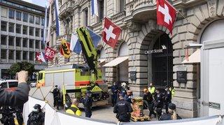 Zurich: UBS et Credit Suisse visés par des activistes du climat, 83 arrestations