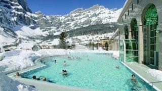 Les Alpenthermes de Loèche-les-Bains évacués, la piscine fermée