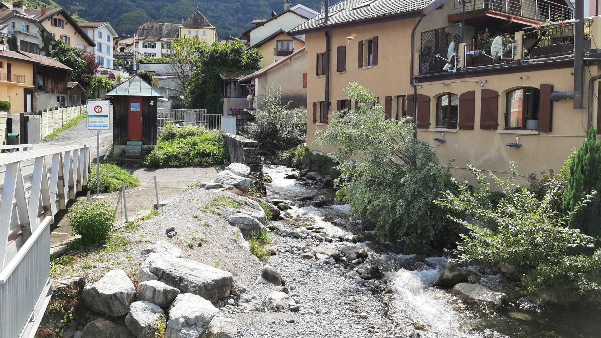 Le torrent de la Morge sera élargi côté suisse et côté français.