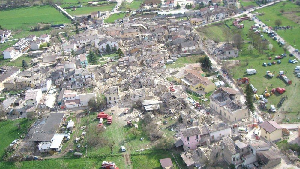 Le séisme de 2009 de la région de l'Aquila, en Italie, constitue le scénario de référence en Valais.
