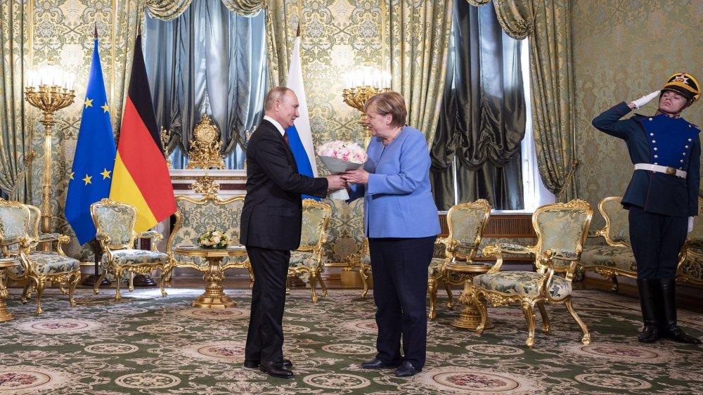 Vétérans de la scène internationale, Vladimir Poutine et Angela Merkel se fréquentent depuis l'arrivée  de cette dernière à la tête du gouvernement allemand en 2005.