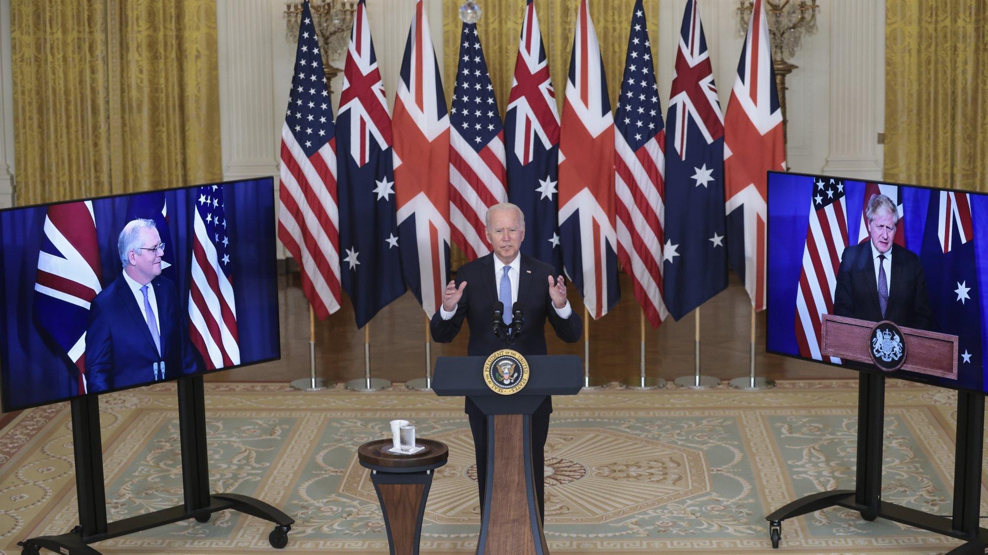 Joe Biden et les premiers ministres australiens Scott Morrisson et britannique Boris Johnson, réunis en vidéoconférence, ont annoncé leur nouvelle alliance dans la nuit de mercredi à jeudi.