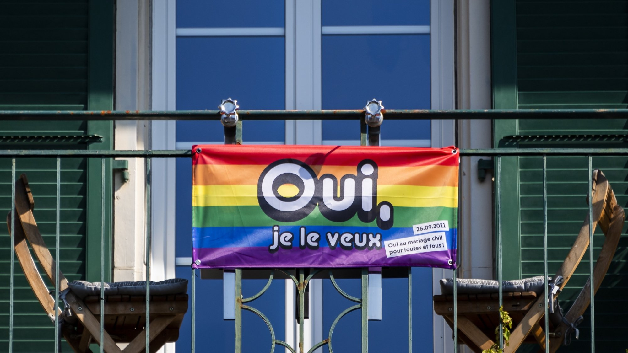 Les votations d'hier ont mis en évidence une reconnaissance légale des couples homosexuels à 64,1%.