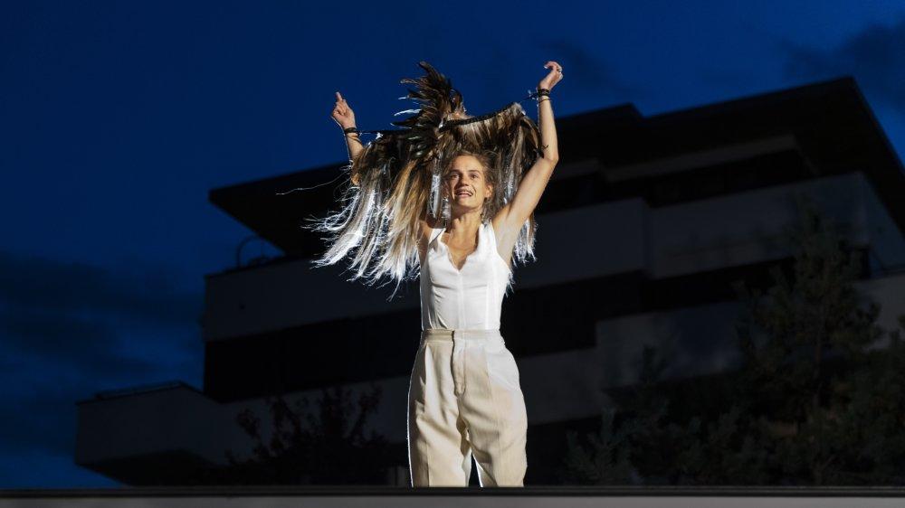 Noémie Schmidt prête son talent au personnage d'Antigone jusqu'au 26 septembre.