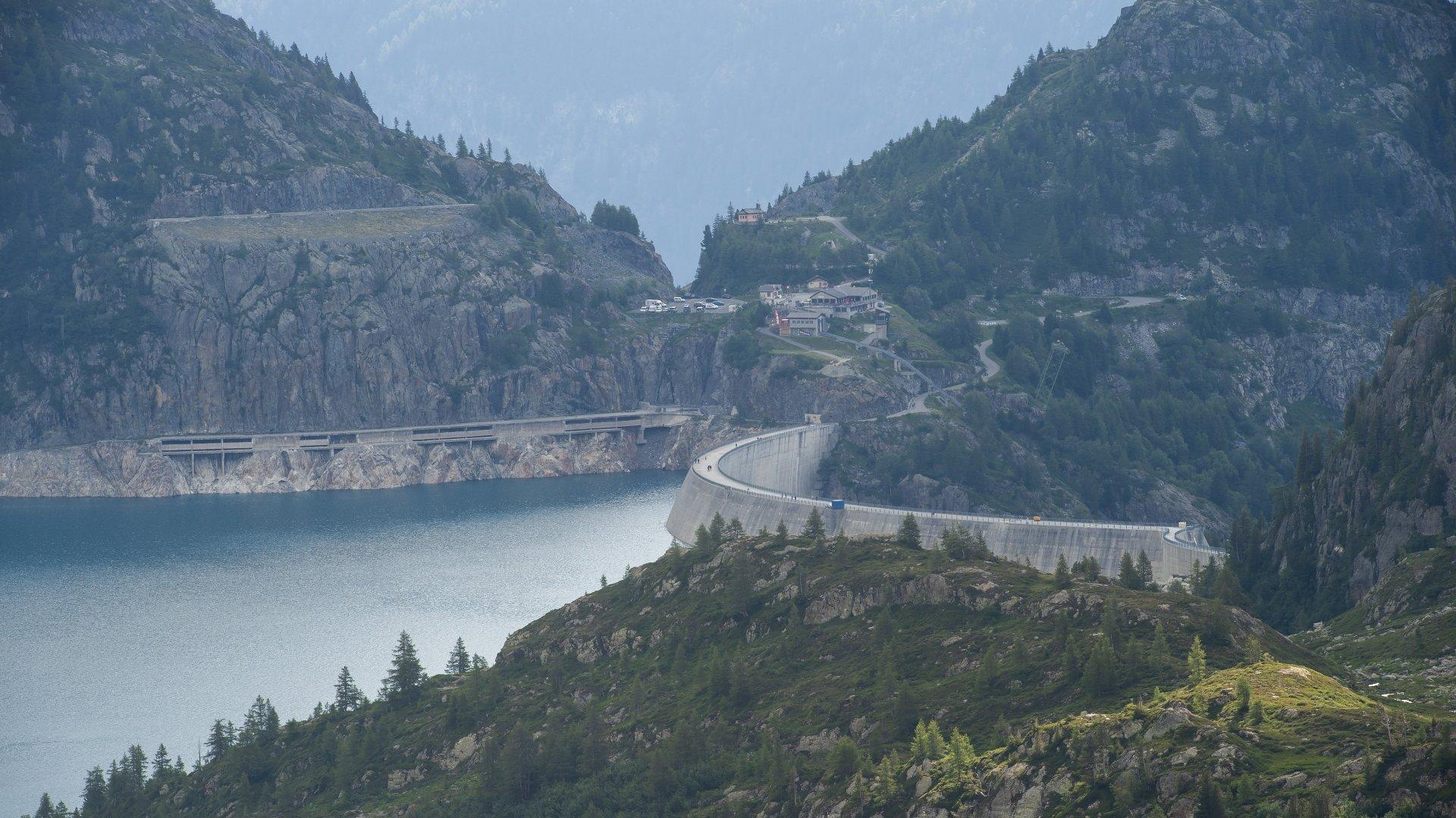 Les installations hydroélectriques, ici le barrage d'Emosson, rapportent des millions aux collectivités publiques.
