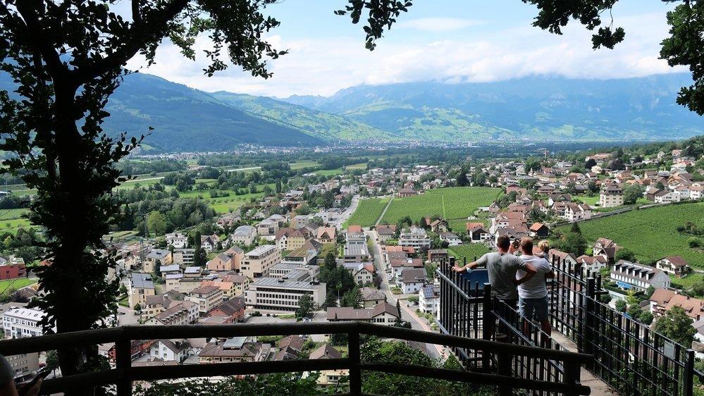 La colline du château offre la meilleure vue sur Vaduz.