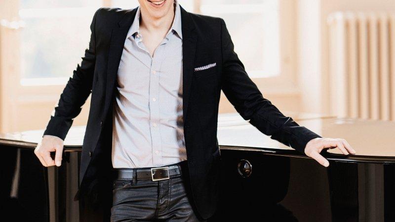 Olivier Cavé en concert pour Terre des hommes.