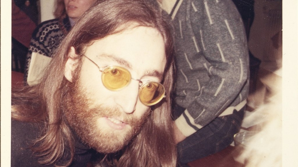 Cette photo montre John Lennon à Thy, dans le nord du Danemark, le 5 janvier 1970. Il y a un demi-siècle, quatre adolescents danois interviewaient le chanteur pour le journal de leur école.