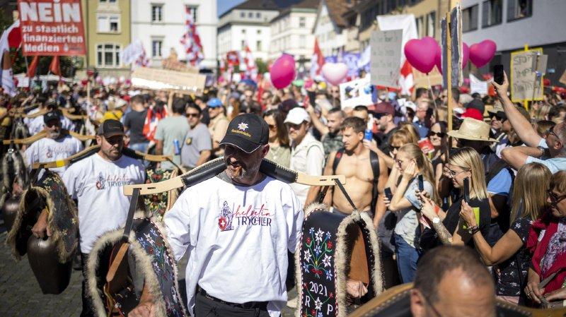 Coronavirus: les opposants aux mesures anti-Covid défilent à Winterthour (ZH)