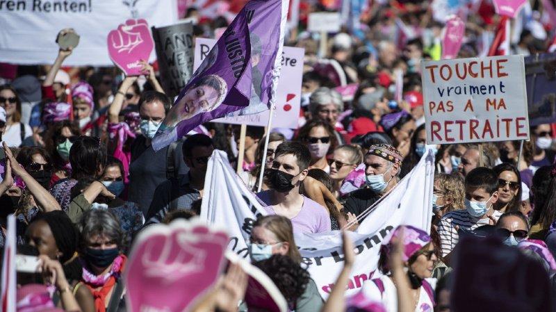 Réforme de l'AVS: les syndicats défilent à Berne pour montrer leur opposition