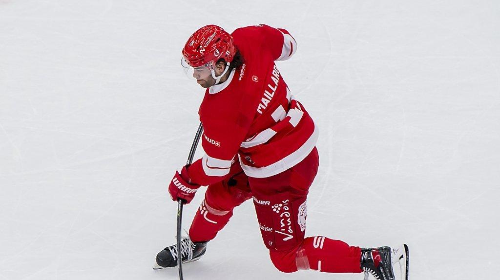Hockey: Lausanne bat Berne, Fribourg enchaîne, Ajoie et Bienne s'inclinent