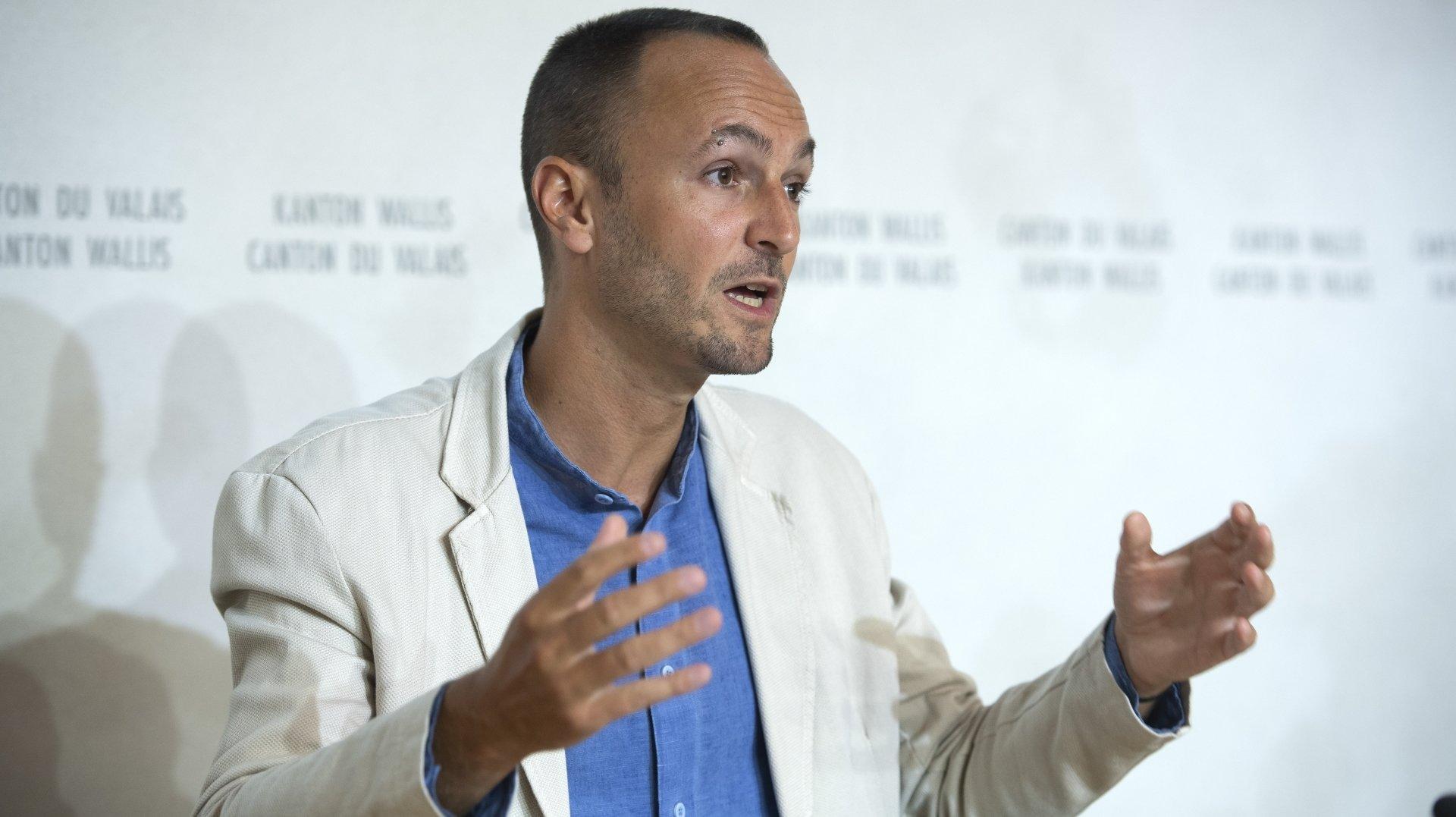 """""""Nous avons 1400 personnes en attente de rendez-vous"""". Mathias Reynard fait le point sur l'augmentation de la vaccination en Valais"""