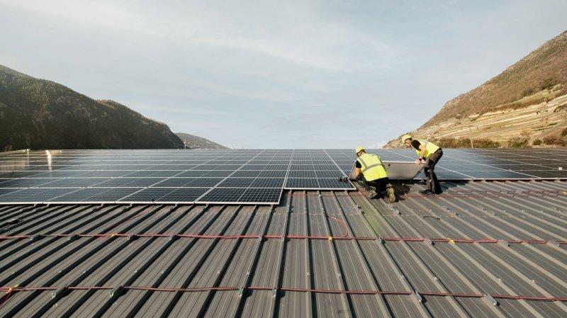 Mise en service de la plus grande toiture solaire du Valais à Granges