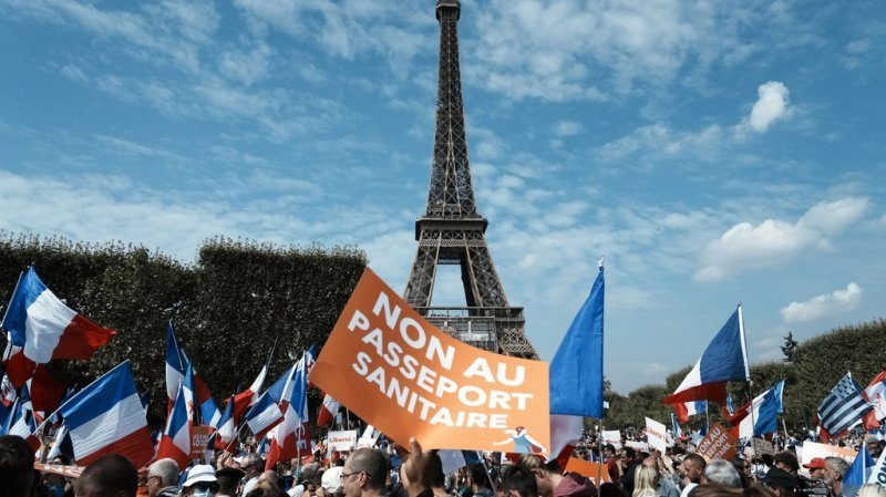 Coronavirus: en France la mobilisation contre le pass sanitaire est en baisse