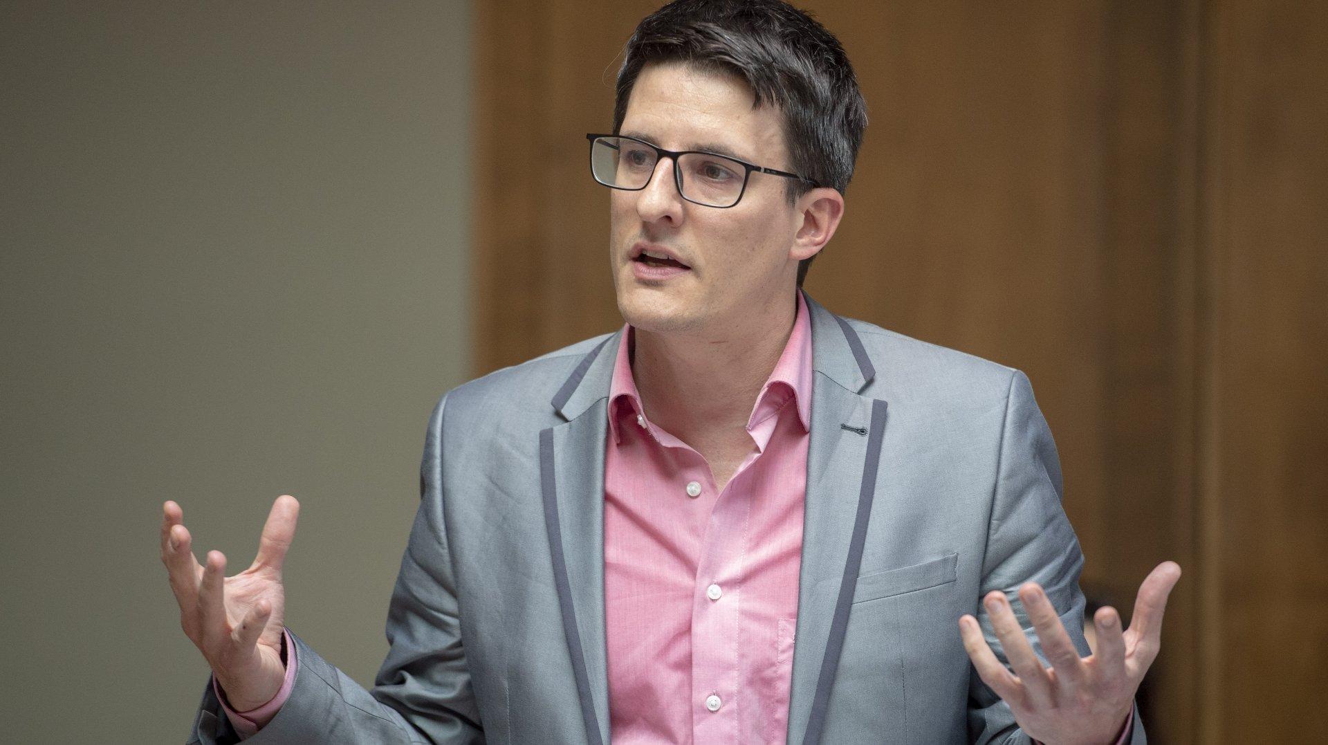 «La décision du Conseil fédéral rend la vie des non-vaccinés difficile»: les réflexions de l'éthicien Johan Rochel