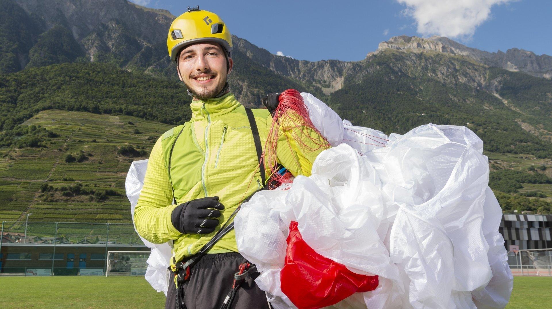Fully: un an après un grave accident de parapente, il veut décoller du Mont-Blanc